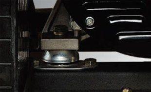 Бензиновый генератор Hyundai HY 12000LE-3  - АНТВИБРАЦИОННАЯ СИСТЕМА Демпферные подуш...