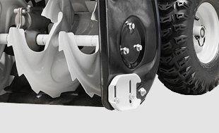Бензиновый снегоуборщик Hyundai S 7065  - ДВУХСТОРОННИЕ НАПРАВЛЯЮЩИЕ ЛЫЖИ С двух с...