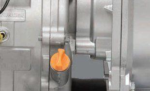 Мотопомпа для чистой воды Hyundai HY 80  - КОНТРОЛЬ УРОВНЯ МАСЛА Для необходимого к...
